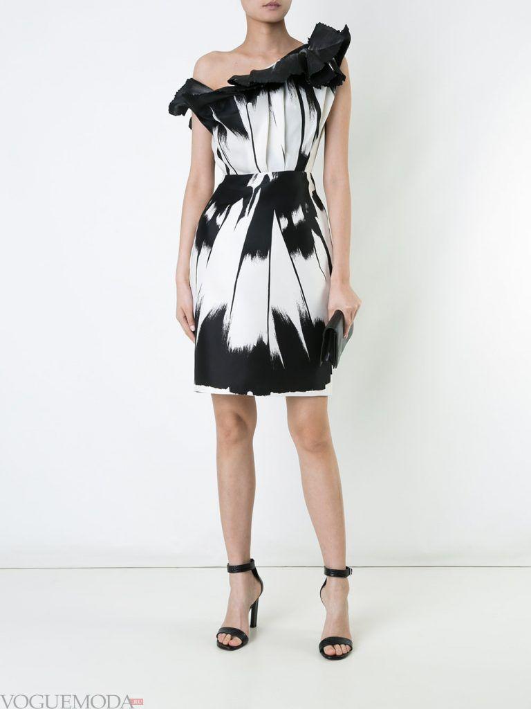 короткое выпускное платье тюльпан с принтом