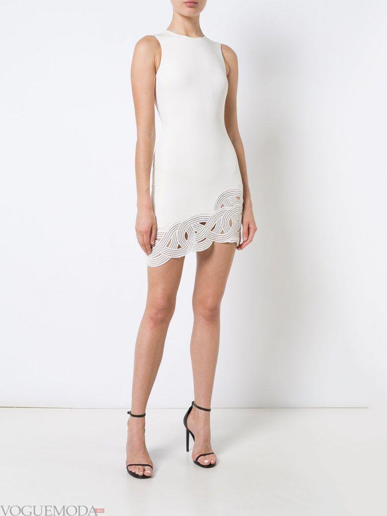 короткое выпускное асимметричное платье светлое