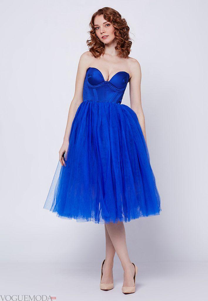 короткое выпускное платье с корсетом синее