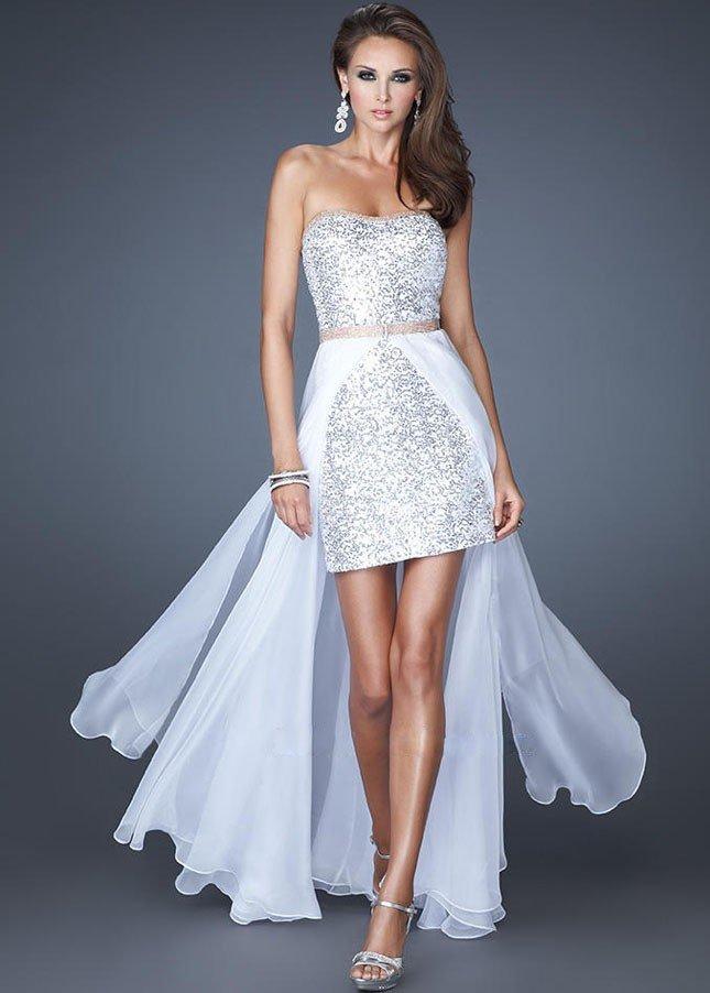 короткое выпускное платье со шлейфом белое
