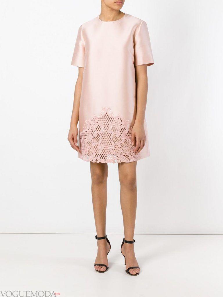 короткое выпускное платье с кружевом