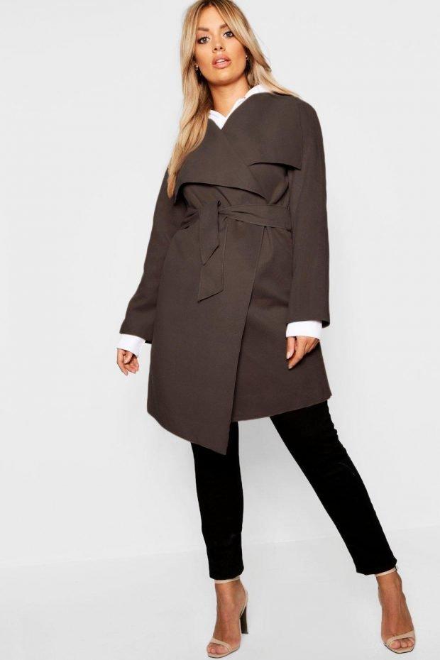 Верхняя одежда осень зима 2020 2021: пальто коричневое асимметрия