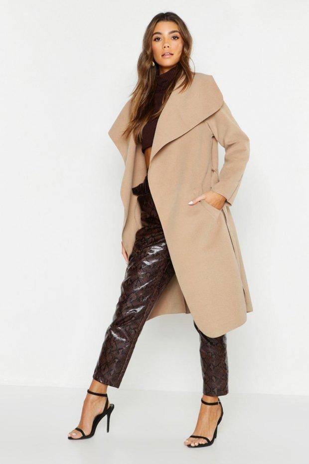 Верхняя одежда осень зима 2019 2020: бежевое пальто