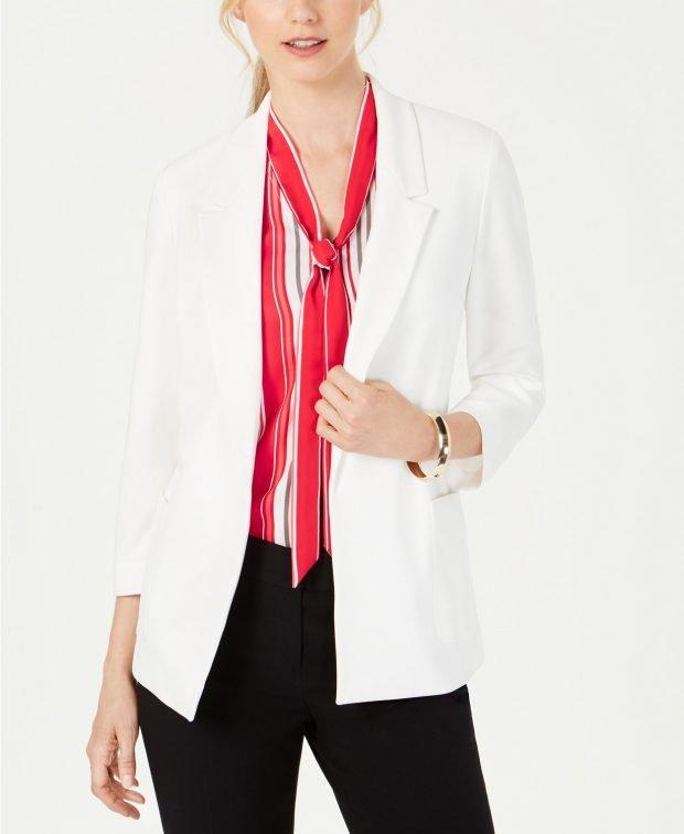 женский костюм 2019 2020: белый пиджак черные штаны