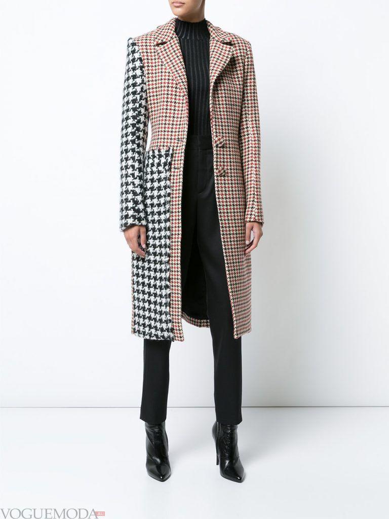 зимний лук классика с цветным пальто