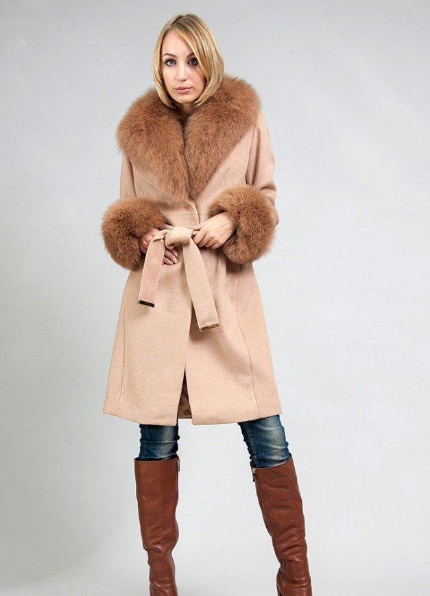 зимний лук с меховым пальто