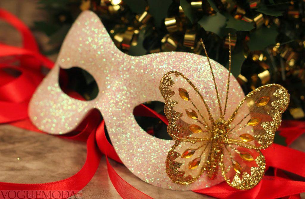 новогодняя маска для тематического корпоратива