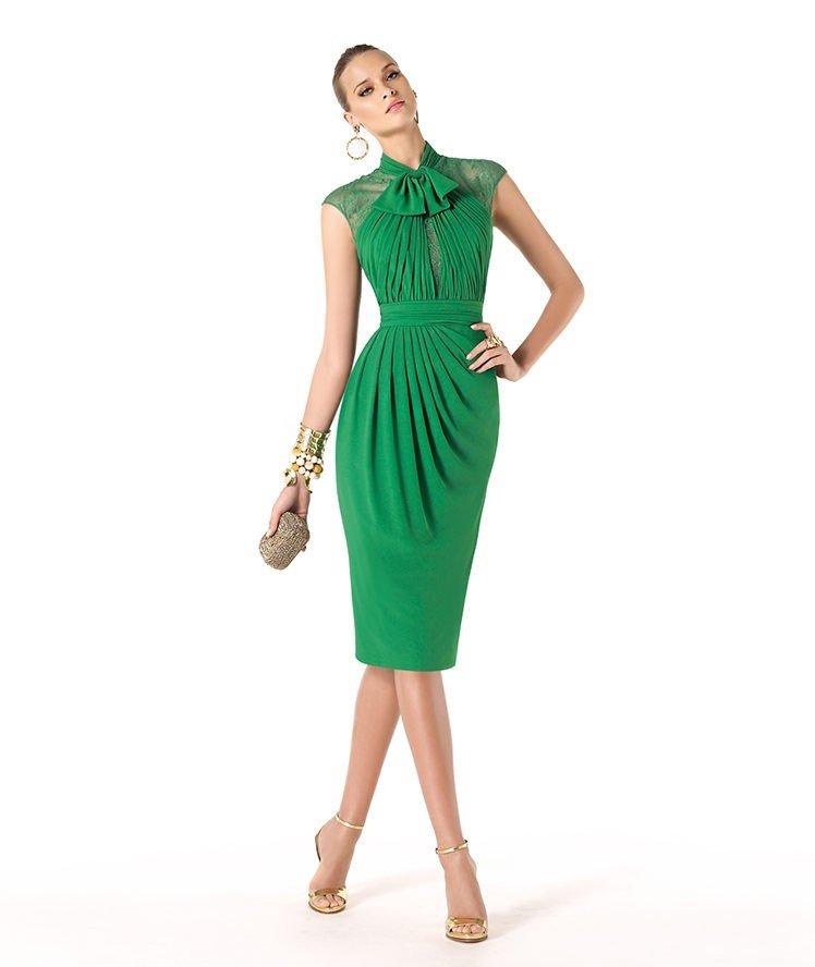новогоднее платье для корпоратива в загородном доме зеленое