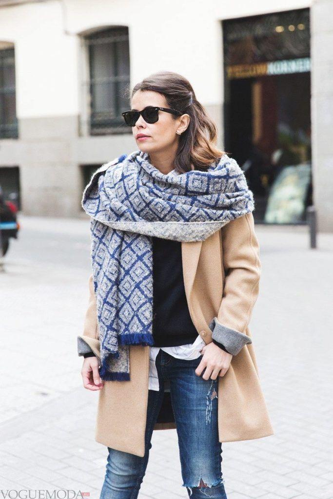 палантин с пальто с принтом