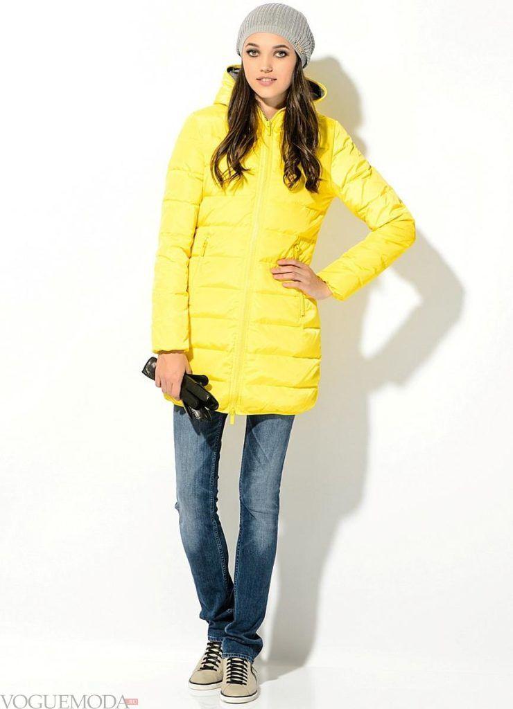 лук шапки с желтой курткой