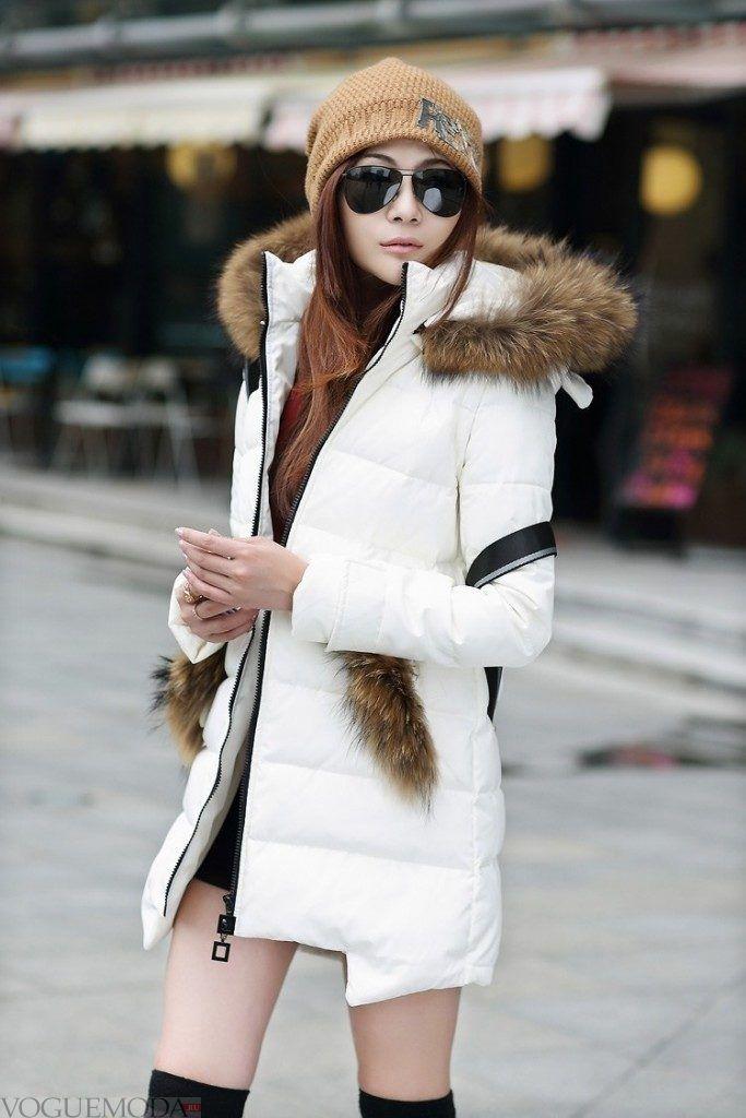 лук шапки с белой курткой