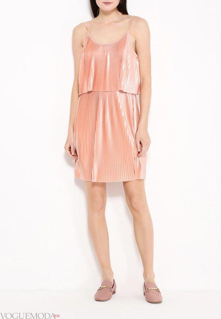 коралловое платье с чем носить с плиссировкой фото