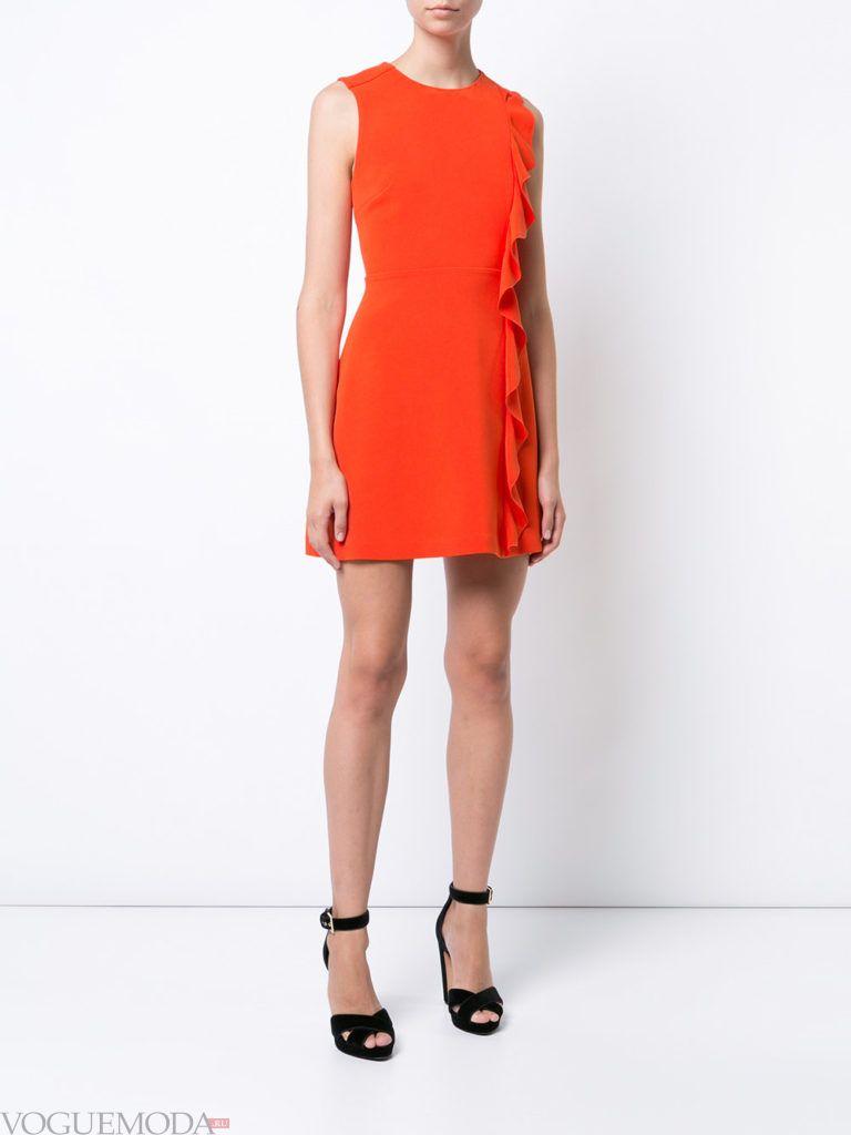 фото с чем носить коралловое платье с босоножками