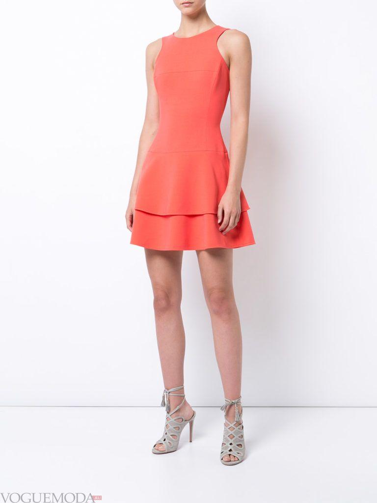 с чем носить коралловое платье двухслойное