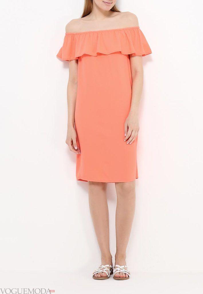 короткое коралловое платье с чем носить с декором фото