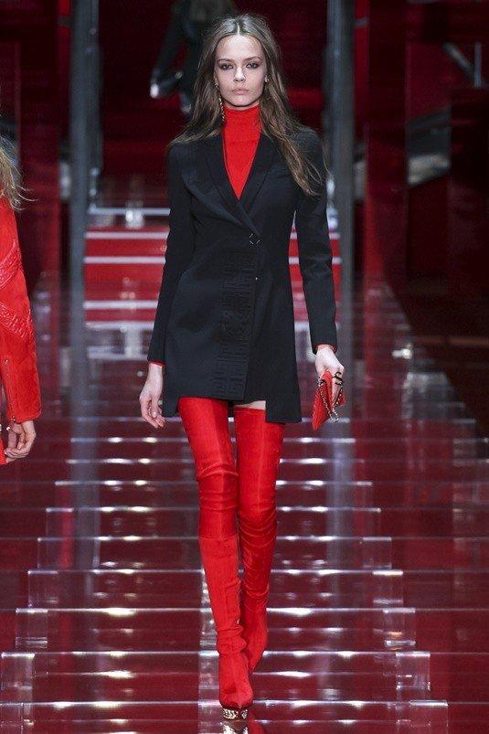 кожаные красные сапоги чулки