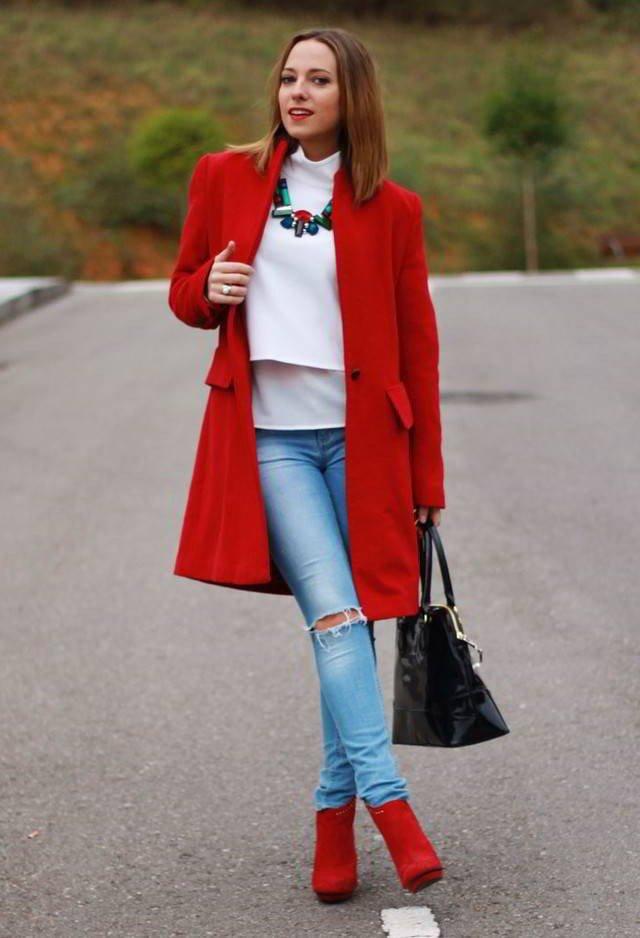 красные ботильоны с джинсами
