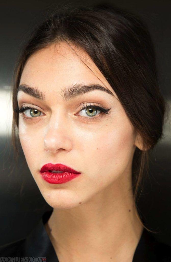 летний макияж Apple Red натуральный