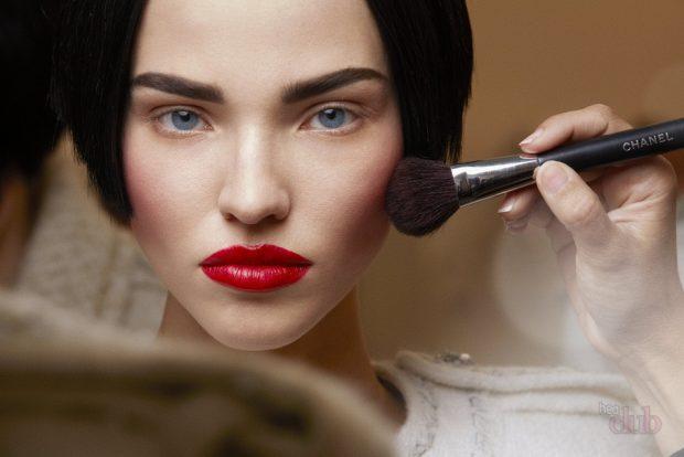 летний макияж сияющая кожа яркий