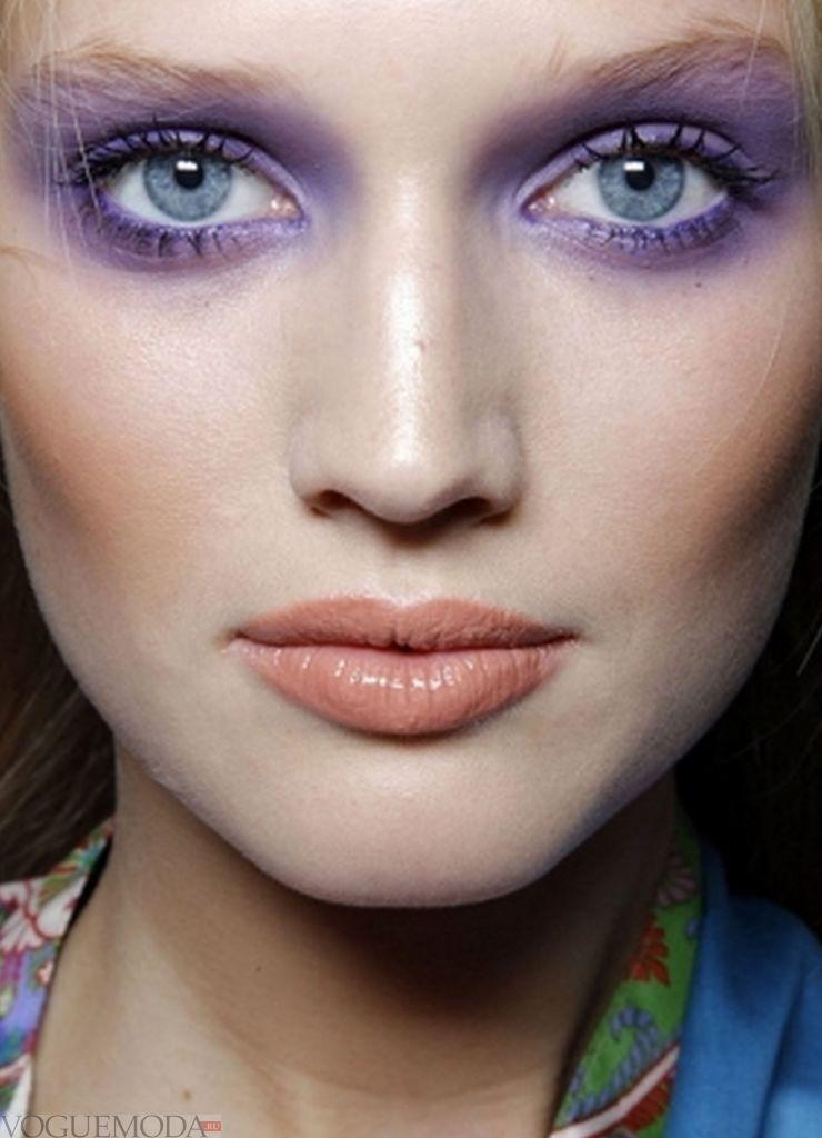 макияж для голубого цвета глаз фиолетовый