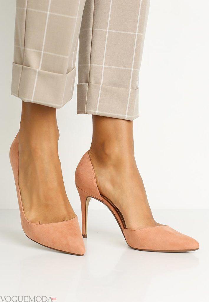 женские туфли на шпильке бежевые