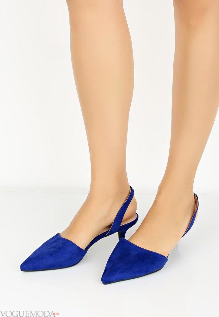 женские босоножки на низком каблуке яркие