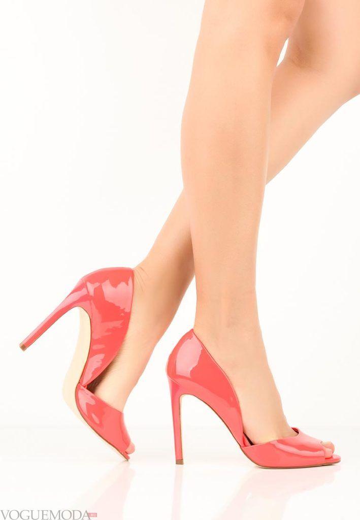 женские туфли на шпильке красные