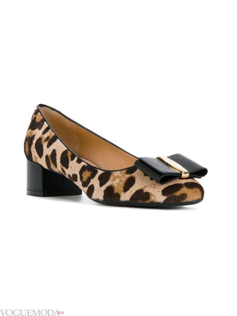 женские туфли с анималистичным принтом