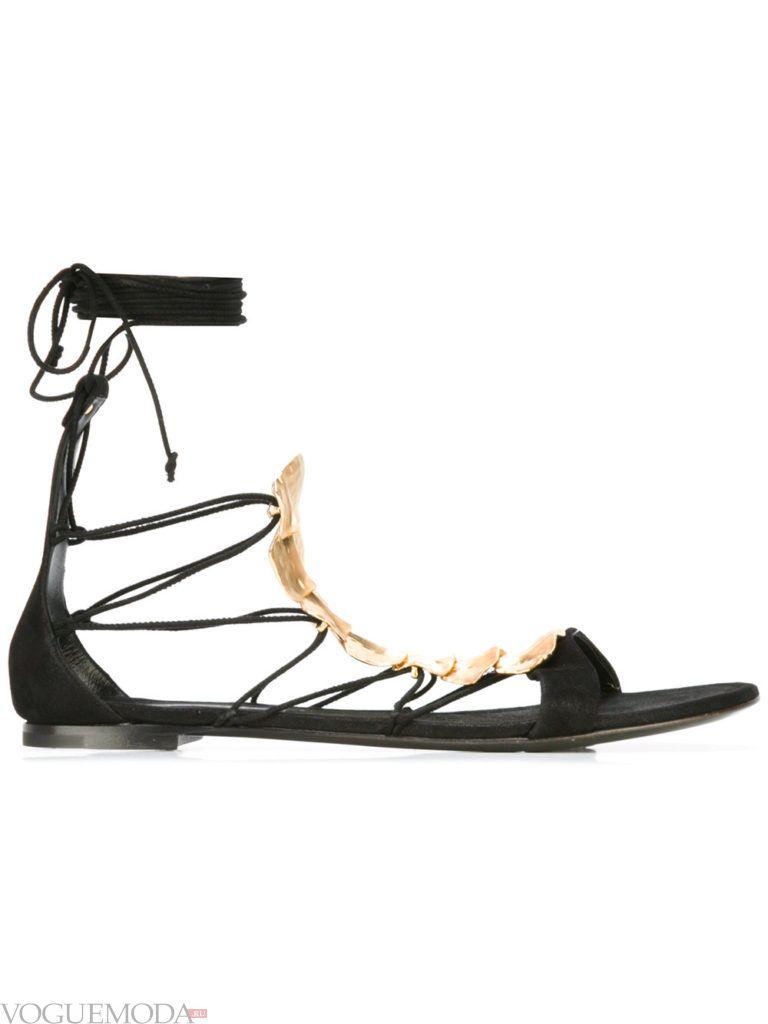 женские темные босоножки на шнуровке