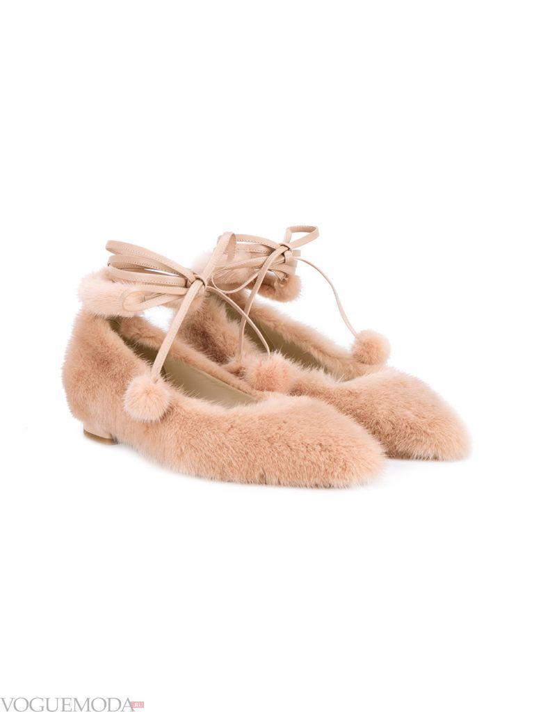 женские меховые туфли на шнуровке