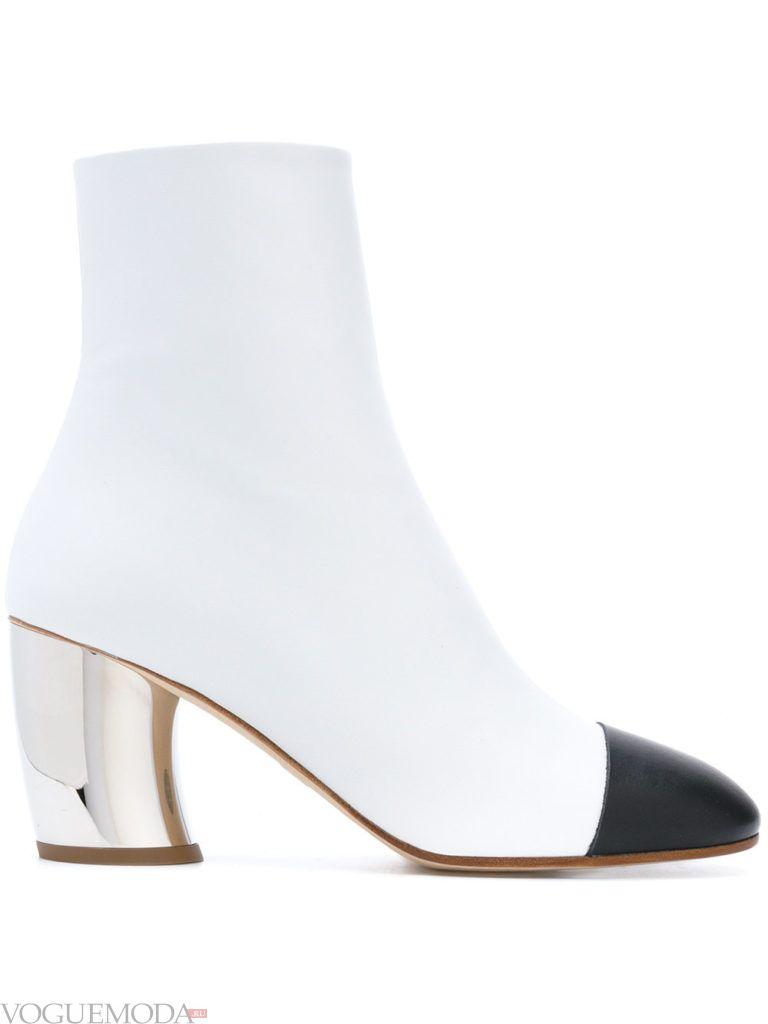 ботинки на массивном каблуке белые