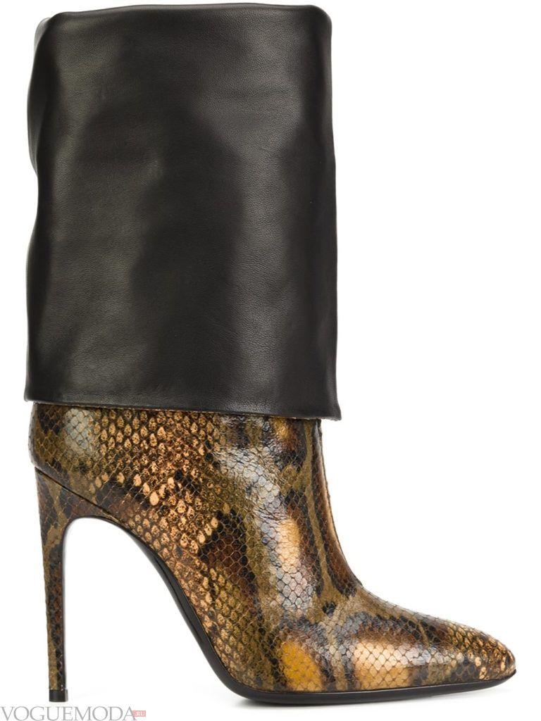 ботинки со змеиным принтом на шпильке
