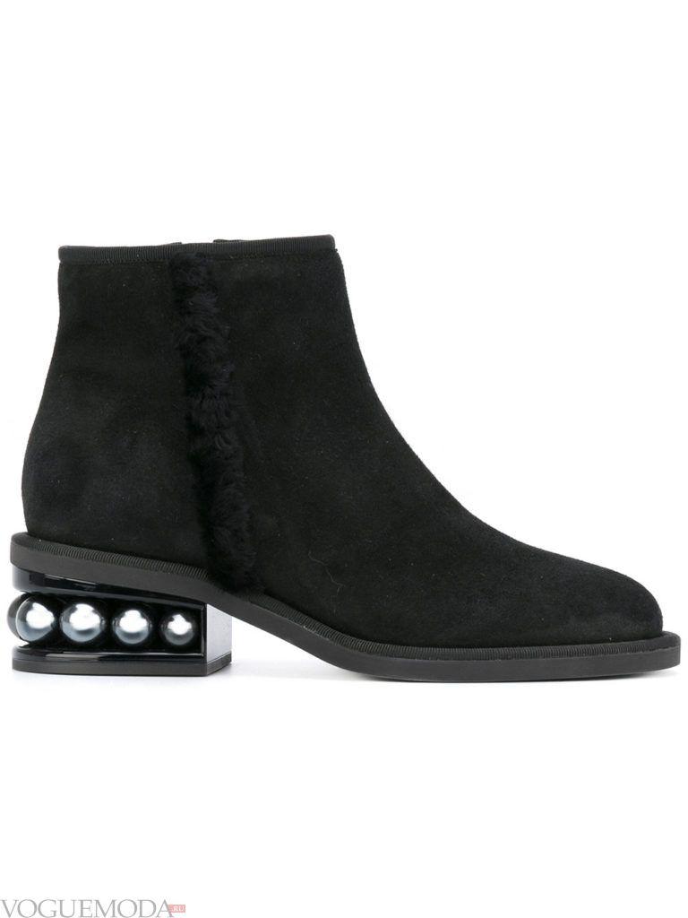 ботинки на массивном каблуке замшевые