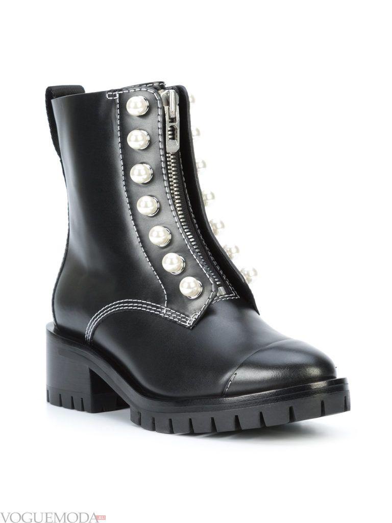 ботинки в стиле «Милитари» с декором