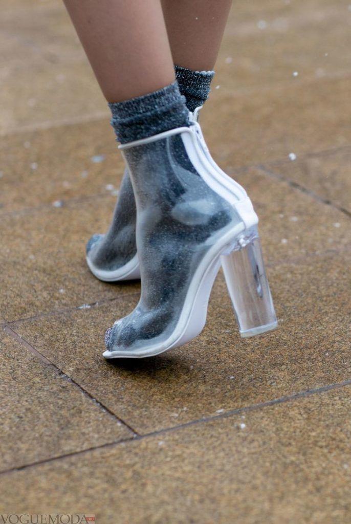 ботинки на массивном каблуке прозрачные
