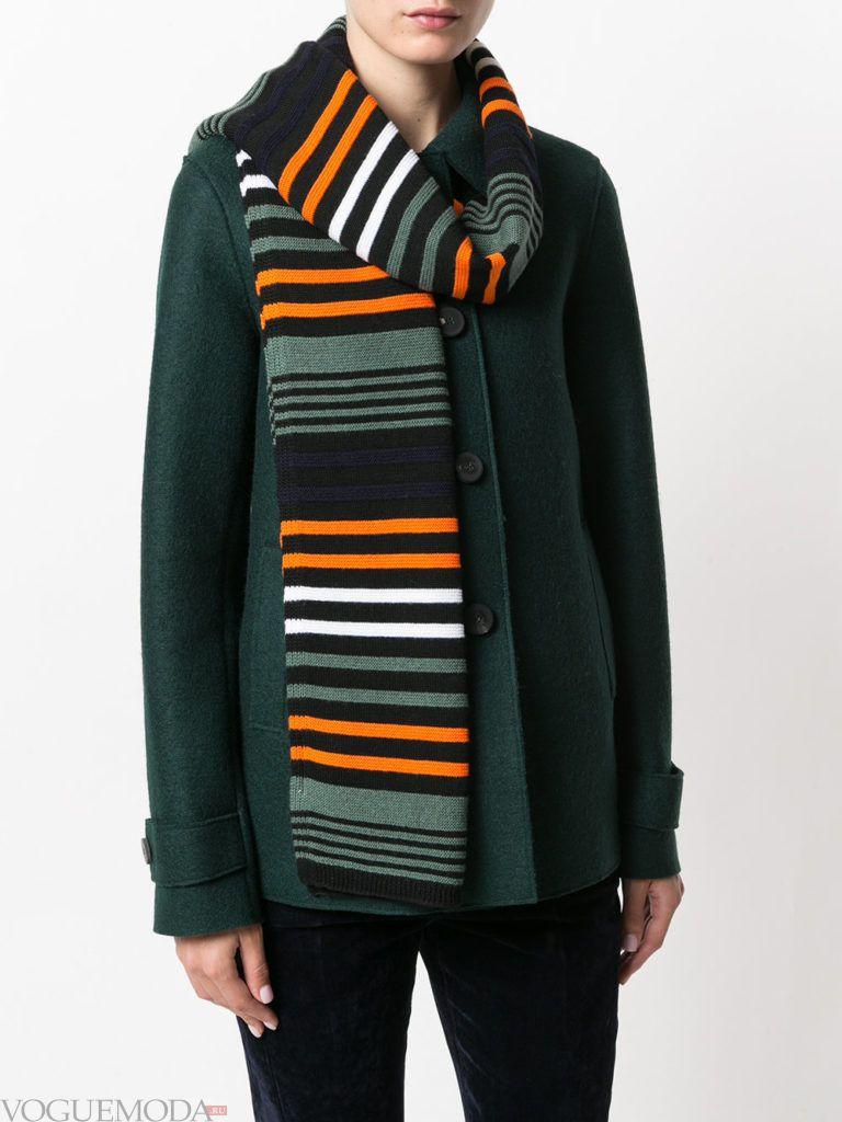 модный шарф с полосками