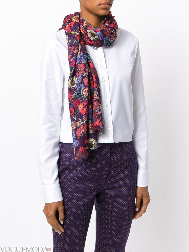 модный шарф бордовый