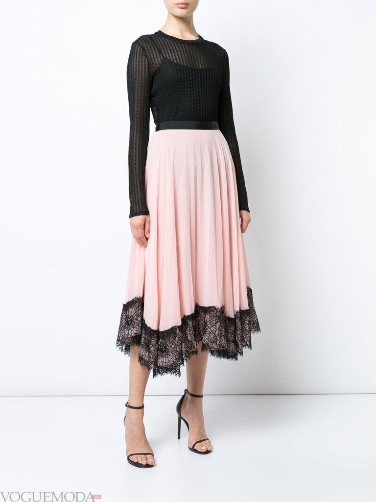 модная юбка бледно розового цвета