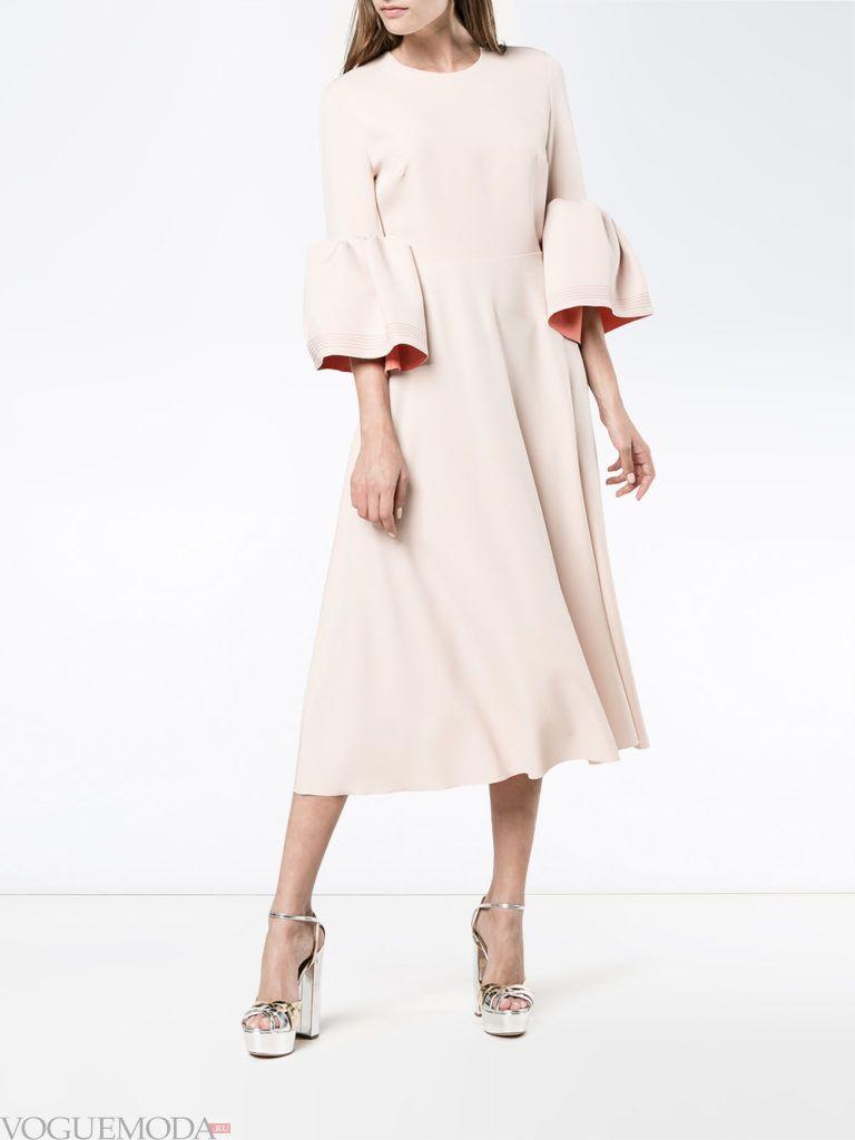 модное платье бледно розового цвета