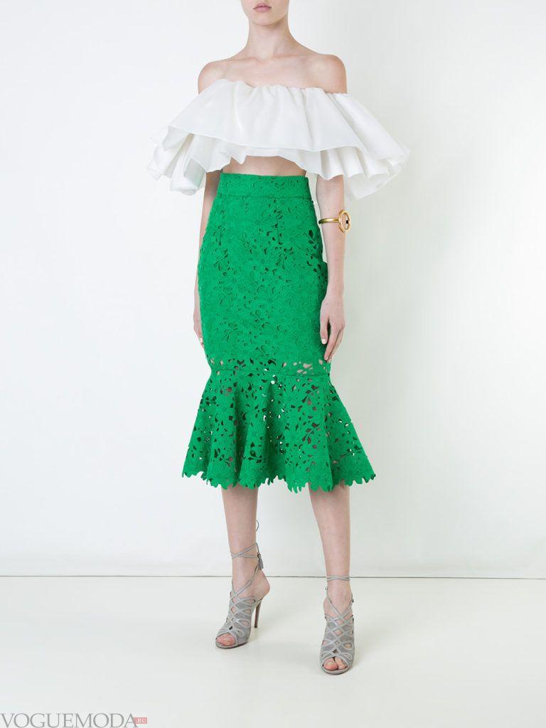модная юбка зеленого цвета