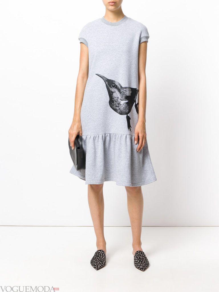 модное платье серого цвета
