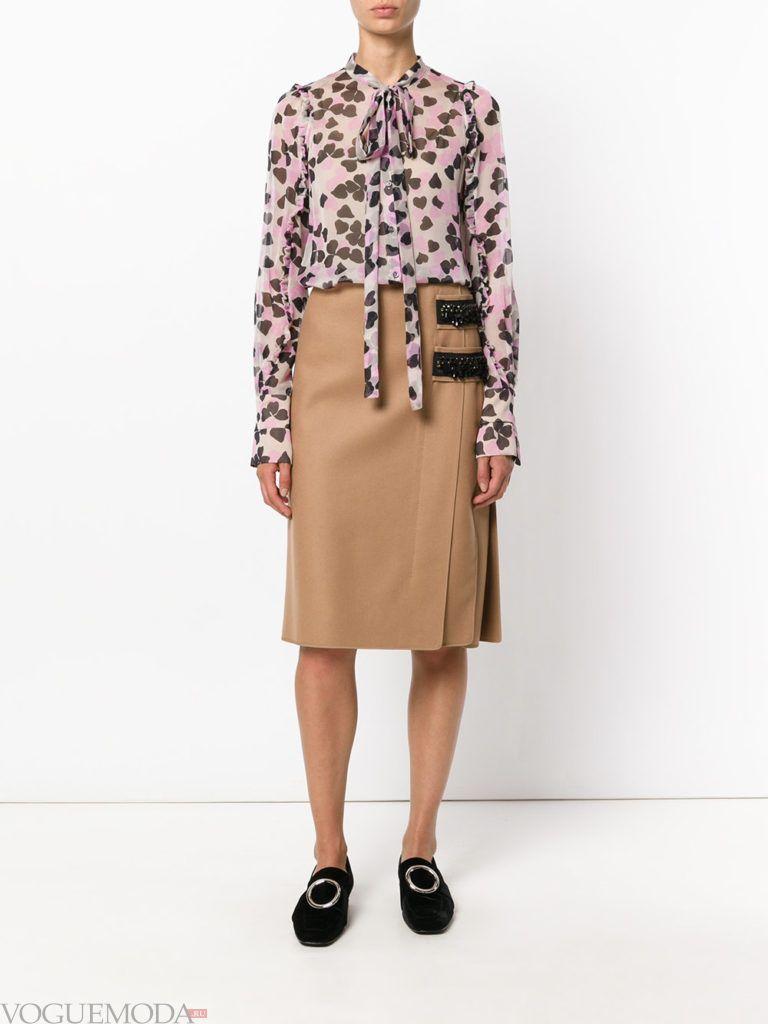 модная юбка цвета кофе со льдом