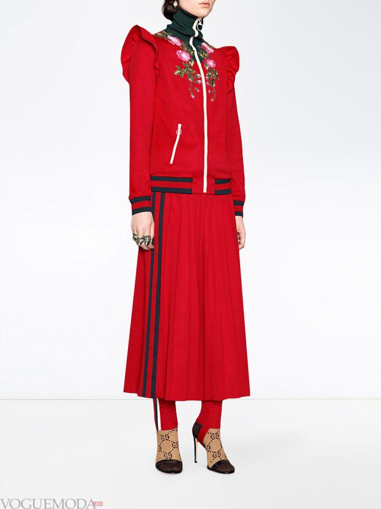 модный образ красного цвета