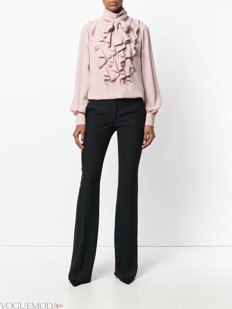модная блуза бледно розового цвета