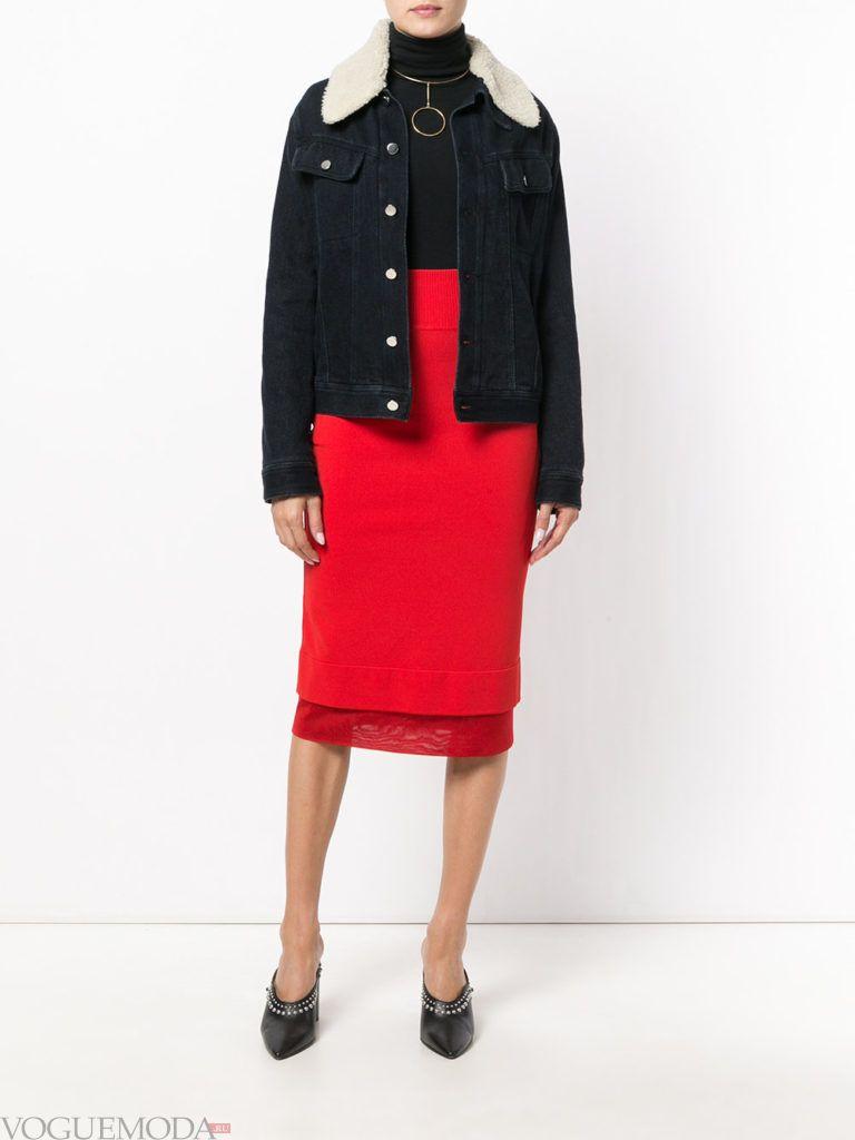 юбка насыщенного красного цвета