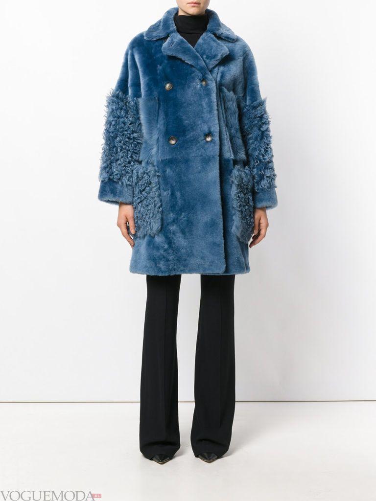 модные цвета в женской одежде осень зима 2020 2021: шуба прохладный синий оттенок
