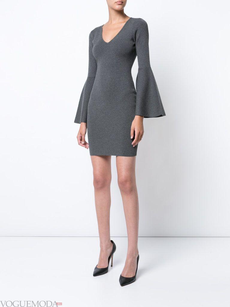 платье цвета холодный серый