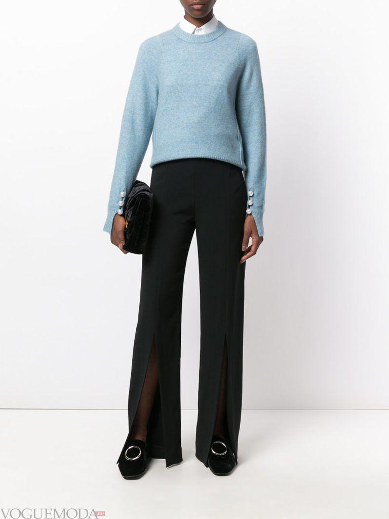 голубой свитер воздушный