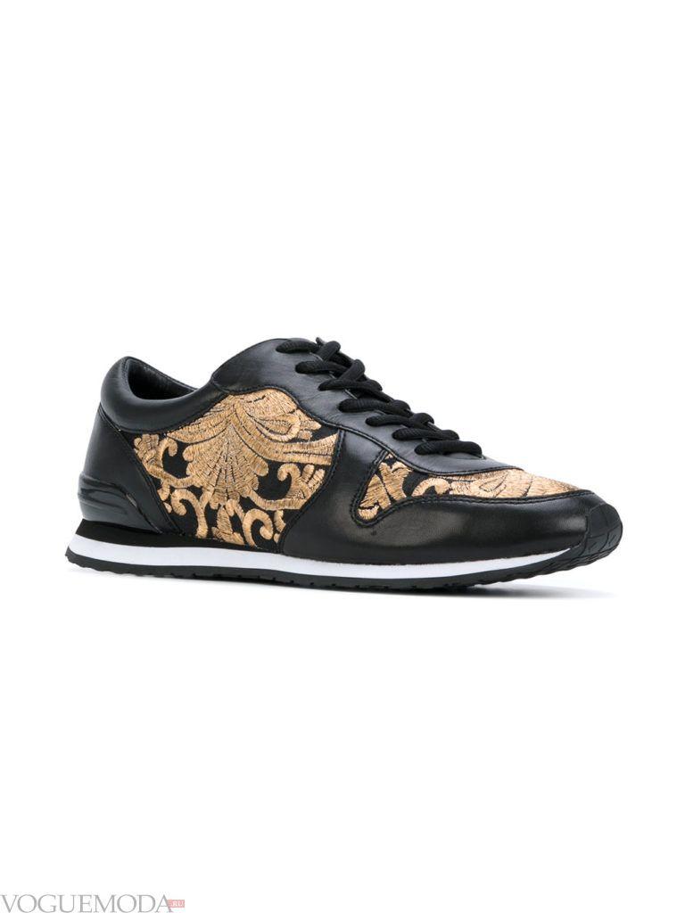 модные кроссовки темные