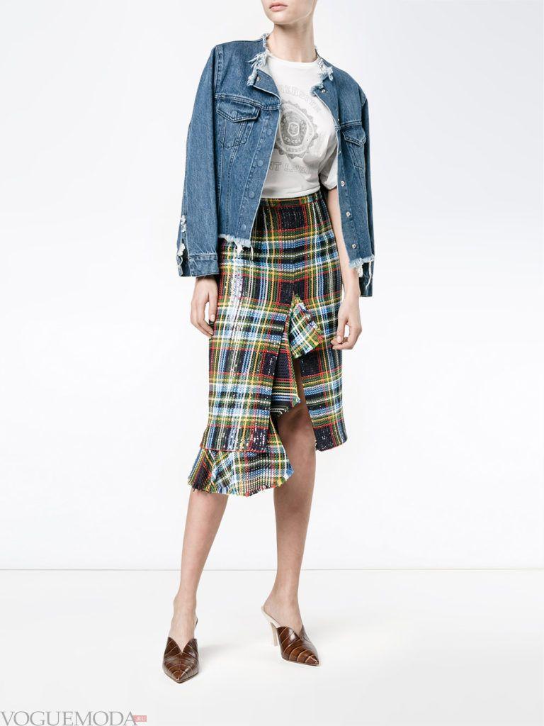 модный лук юбка в клетку с курткой